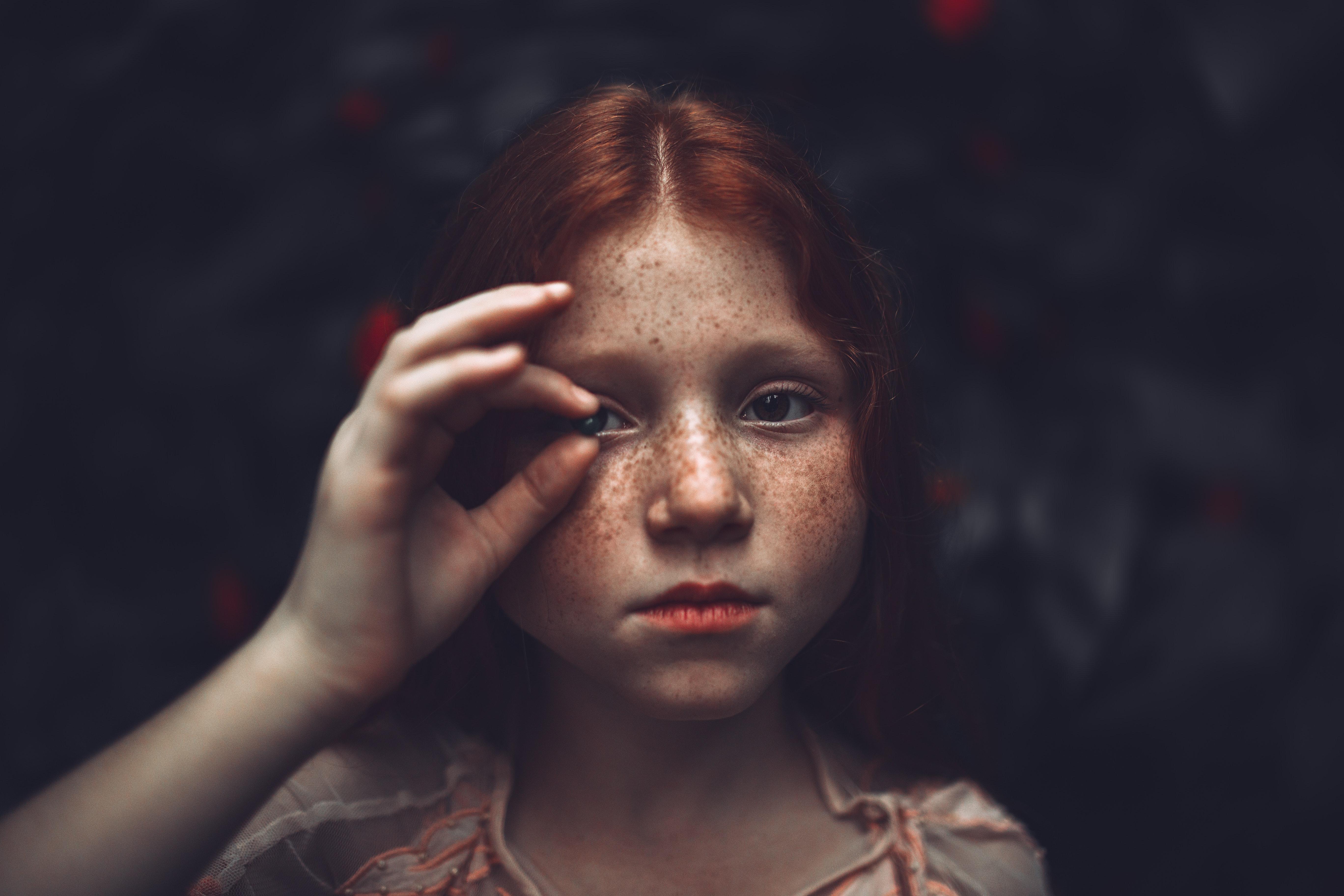 crvenokosa djevojčica